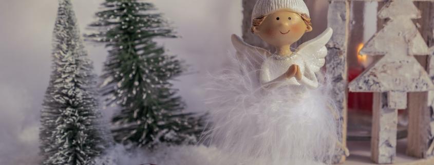 Ein Engel aus Holz